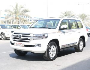 Toyota Land Cruiser VXR 5.7L ( White Edition )